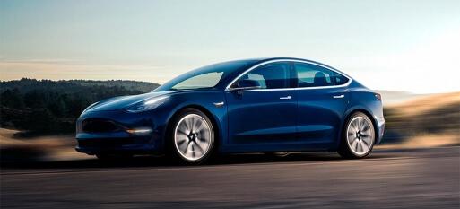 Tesla Model 3 atravessa os Estados Unidos em apenas 50 horas