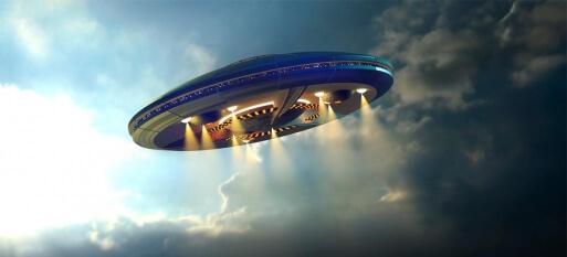 Guillermo del Toro diz em entrevista que viu um OVNI e não gostou do seu design