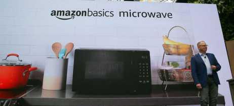 Amazon apresenta forno micro-ondas que vem com assistente de voz Alexa