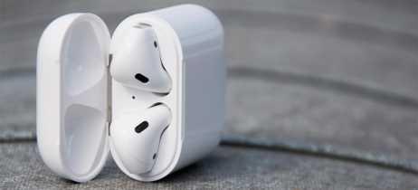 Apple estaria trabalhando em Airpods 2 com ativação da Siri por voz e cancelamento de ruído