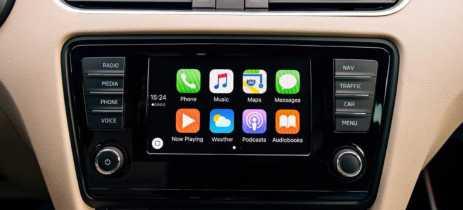 Ops, usar Apple CarPlay e Android Auto é pior do que dirigir e escrever mensagem