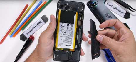 Desmonte do ROG Phone II mostra que saída de ar traseira não tem muita utilidade