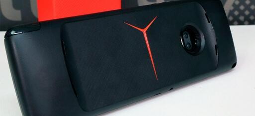 Moto Gamepad - vale a pena o snap que transforma o Moto Z em um videogame?