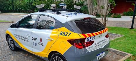 """Conheça como funciona o """"carro das multas"""" que circula em São Paulo"""