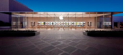 Golpista consegue o equivalente a R$ 1 milhão em produtos Apple com cartões falsos nos EUA
