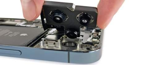 Desmontagem do iPhone 12 Pro Max revela uma câmera principal enorme
