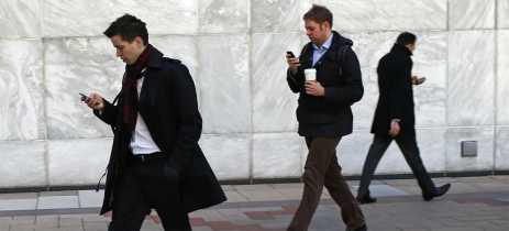 Governos vão acompanhar quarentena em tempo real rastreando celulares