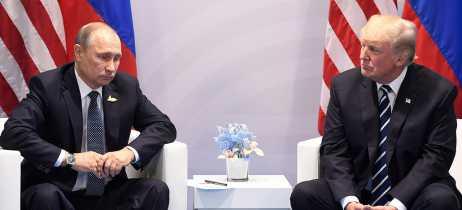 Justiça dos EUA indicia 13 cidadãos russos por interferência nas eleições de 2016