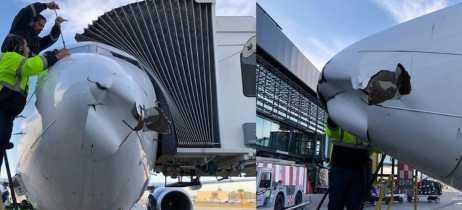 Avião Boeing 737 sofre danos durante o voo em possível batida com drone