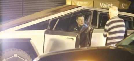 Elon Musk é avistado dirigindo Cybertruck nas ruas de Malibu