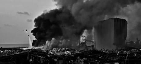 Explosão em Beirute: Imagens de drone mostram a devastação causada
