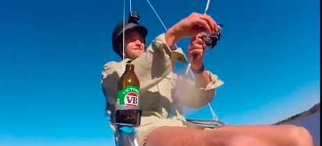 Australiano pesca enquanto é suspenso por drone feito sob medida