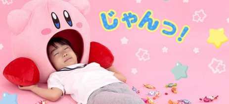 Durma com a cabeça dentro da boca do Kirby com o seu travesseiro oficial