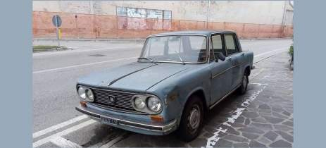 Este carro ficou 47 anos estacionado no mesmo lugar - e agora virou peça de museu