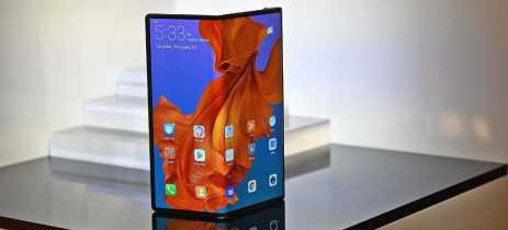 Huawei começa venda do Mate X na China e estoque esgota no mesmo dia