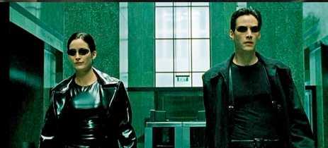 Vídeos de Matrix 4 mostram a gravação de cenas de ação com Neo e Trinity