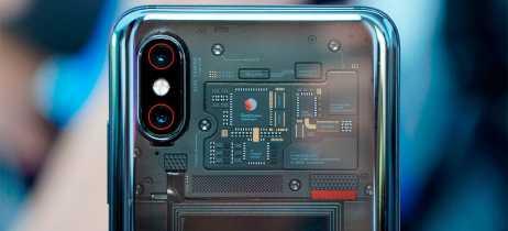 Traseira transparente do Xiaomi Mi 8 Explorer Edition não mostra componentes reais do smartphone