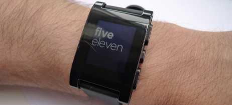 Fitbit encerra suporte ao relógio inteligente Pebble