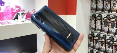 Seu smartphone tem pouca bateria? O Power Max P18K Pop vem com 18.000 mAh!