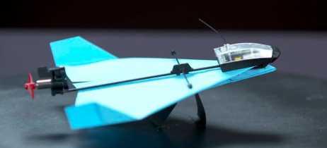 PowerUp Dart é o avião de papel inteligente que faz acrobacias