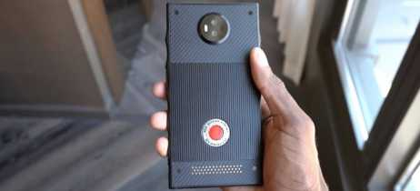 Red divulga infográfico com destaques do Hydrogen One, seu smartphone holográfico