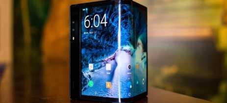 Royole FlexPai, primeiro smartphone dobrável a venda, passa por teste de resistência