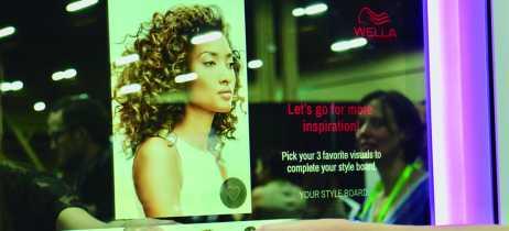 Espelho inteligente da CareOS usa AR para que você 'teste' estilos de cabelo diferentes