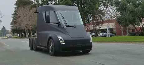 Vídeo mostra a velocidade do caminhão elétrico da Tesla