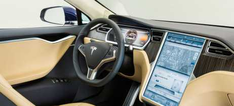 Tesla planeja trazer serviços de streaming para a versão 10 de seus carros