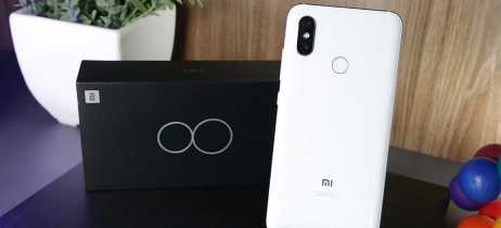 Unboxing e primeiras impressões do Xiaomi Mi 8
