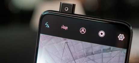 Teste de durabilidade coloca 17,5kg em cima de câmera selfie retrátil do Vivo Nex
