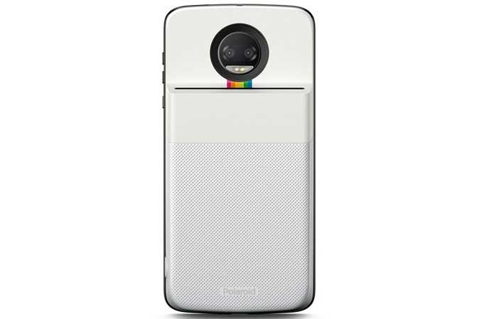 Além de permitir a impressão de fotos capturadas pela câmera  instantaneamente, o novo Moto Snap também consegue imprimir imagens do  Facebook, ... 71ec5cd810