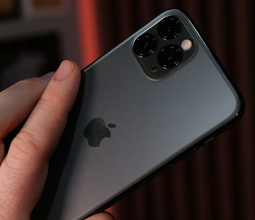 Review: Apple iPhone 11 Pro and 11 Pro Max - more cameras is good, but notch ...
