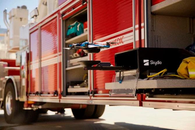 Skydio 2 طائرة بدون طيار تحصل على Dock ، محطة هبوط ذكية 1