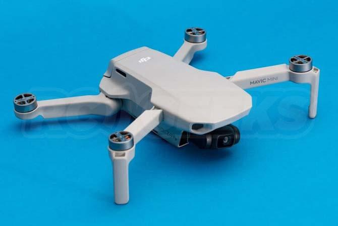 See what the DJI Mavic Mini drone looks like inside