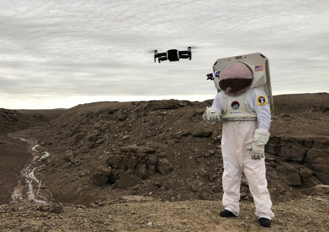 New smart astronaut glove can be used for planet exploration