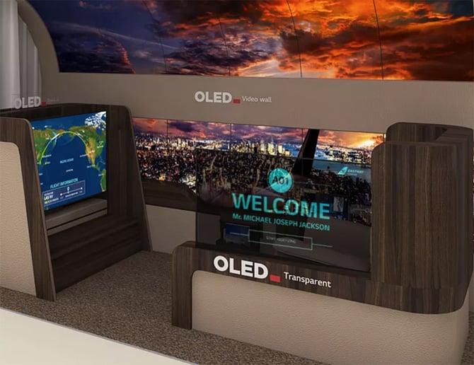 Nova TV enrolável da LG desce do teto como se fosse uma tela de projetor