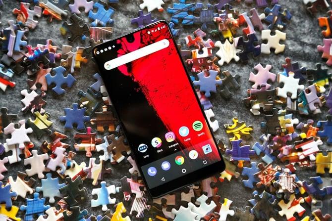 Essential fecha as portas - Empresa lançou o primeiro celular com notch
