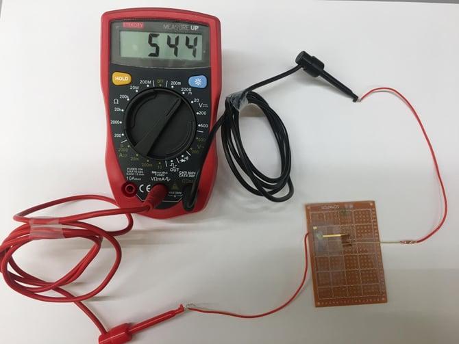 Cientistas criam dispositivo capaz de gerar eletricidade a partir da umidade do ar
