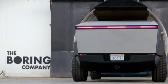 Jay Leno dirige o Tesla Cybertruck através do túnel de testes de Elon Musk