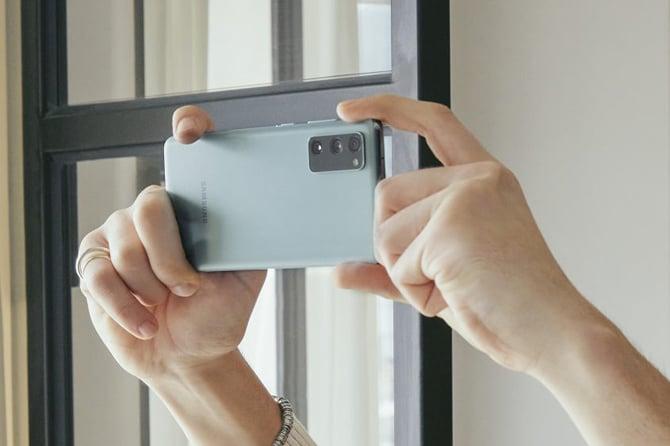 Samsung Galaxy S20 FE é lançado no Brasil com preços a partir de R$ 4.499