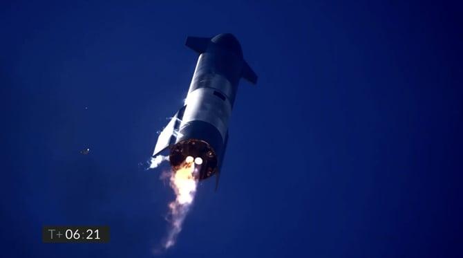 Nave Starship SN9 da SpaceX tem sucesso na decolagem, mas explode ao aterrissar
