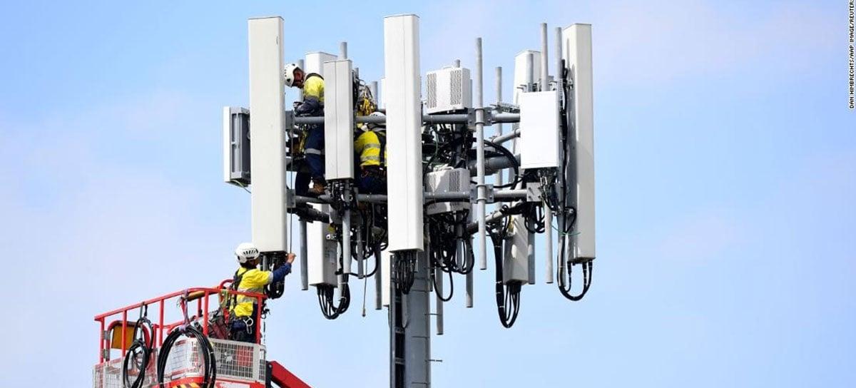 """Conspiracionistas """"anti-5G"""" sabotam torres de internet com navalhas e agulhas"""