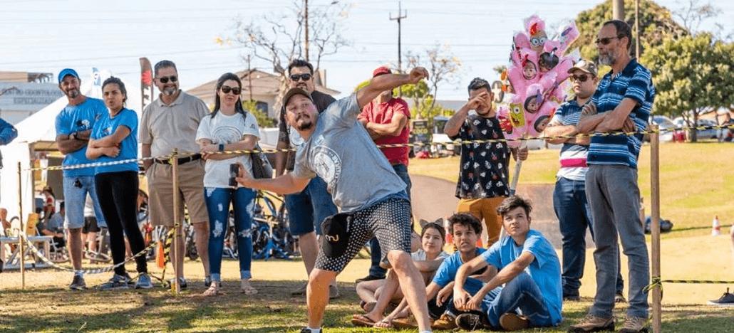 Campeonato de arremesso de celular premia vencedores com Xiaomi no Paraná