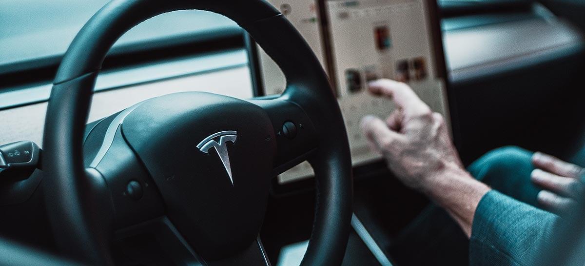 Atualização da Tesla permite motorista a personalizar o som da buzina