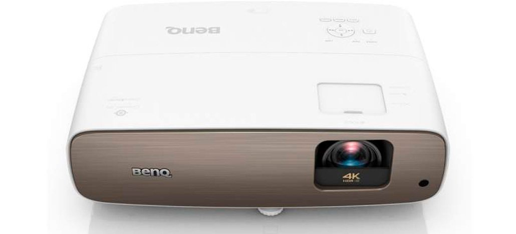 BenQ lança novo projetor CinePrime W2700 4K com experiência de