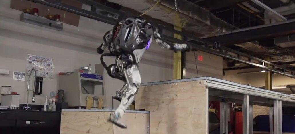 Robô Atlas da Boston Dynamics agora faz Parkour