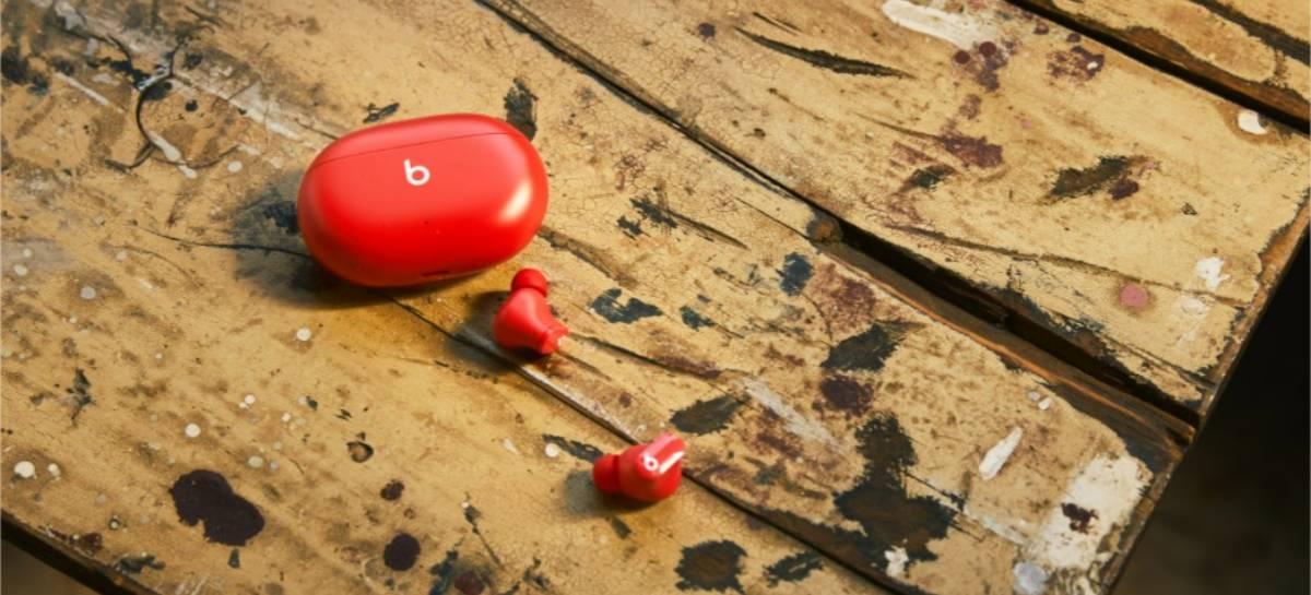 Beats Studio Buds chega ao Brasil por R$ 1.799 e dá 4 meses grátis de Apple Music