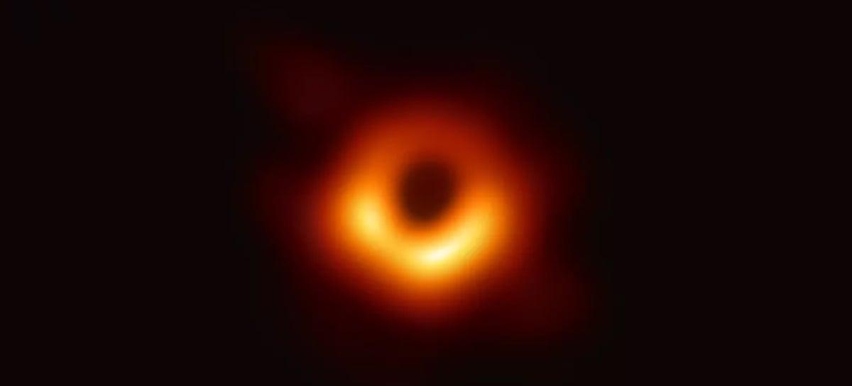 Primeiro buraco negro já fotografado está aparentemente 'oscilando'