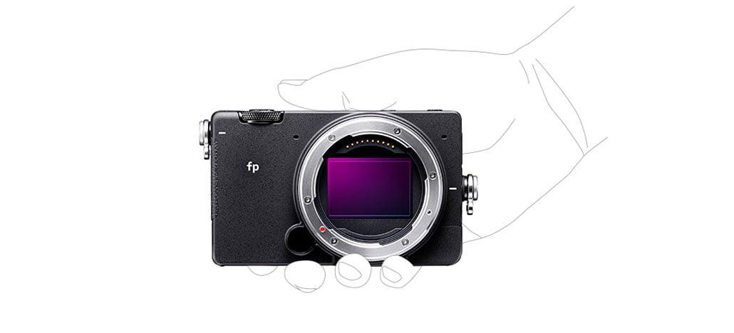 Sigma fp é a menor e mais leve câmera mirrorless do mundo